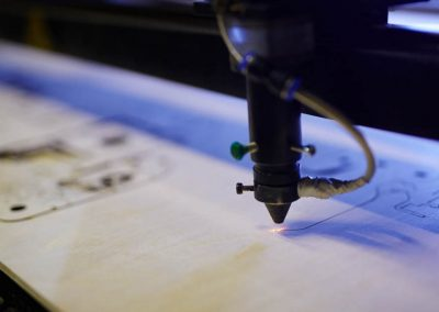 tecnología de corte y grabado láser