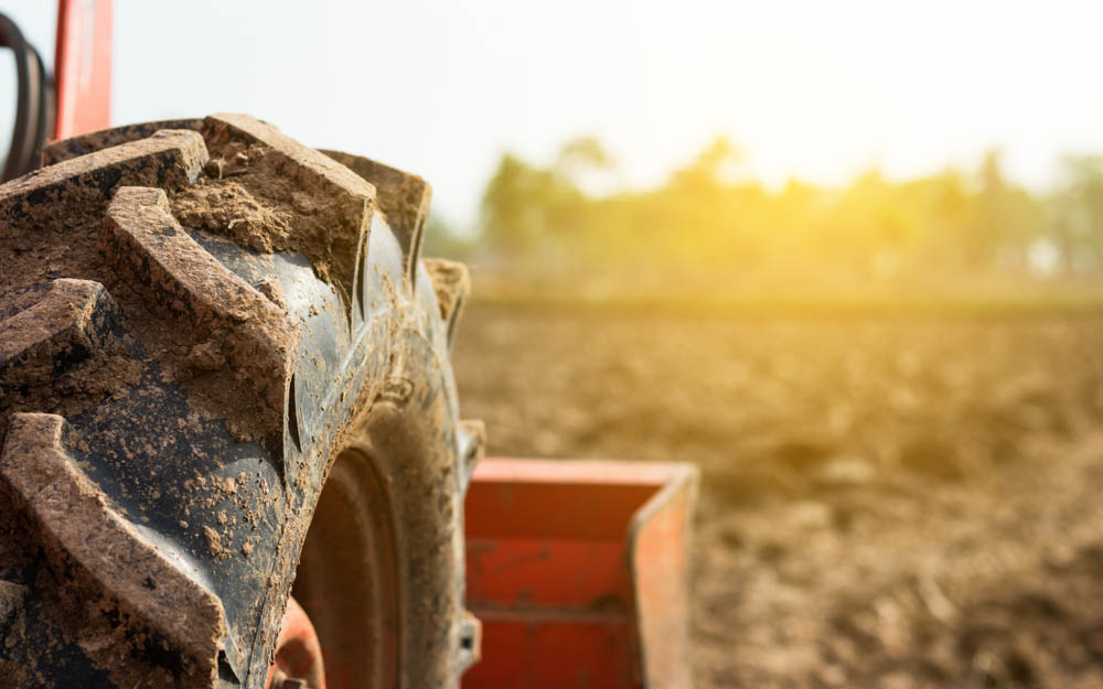 Montaje y equilibrado de neumáticos agrícolas
